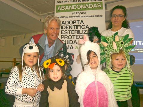 Jan Weima with the children