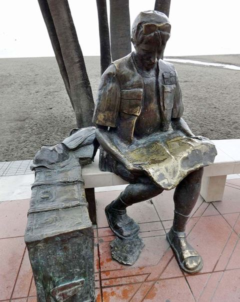 Monument to the tourist in Estepona