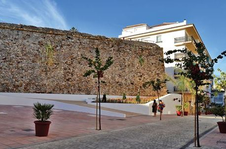 Castle of San Luis grounds open to the public for the first time in a century